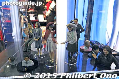 Realistic 3D printed sculptures from Mutoh. Created from a full-length photo booth. Cost is about ¥100,000.